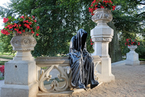 hluboka-castle--czech-republic-guardians-of-time-manfred-kili-kielnhofer-contemporary-fine-art-sculpture-statue-arts-design-modern-photography-artfund-artshow-pro-6740