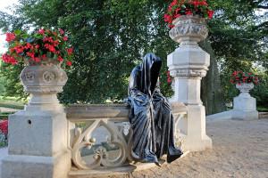 hluboka-castle--czech-republic-guardians-of-time-manfred-kili-kielnhofer-contemporary-fine-art-sculpture-statue-arts-design-modern-photography-artfund-artshow-pro-6740