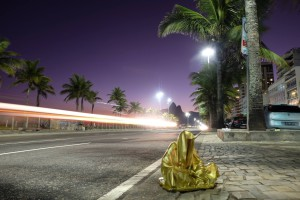 trio biennial  sculpture 3d copacabana light art rio de janeiro guardians of time sculpture art arts design manfred kili kielnhofer